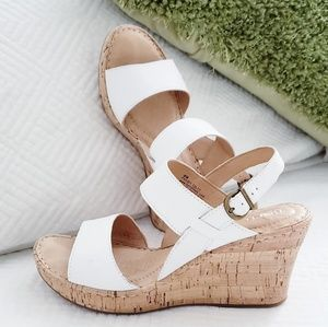 Born- boulder leather white wedges